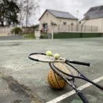 Gite Tours tennis terrain multisports, panier de basket